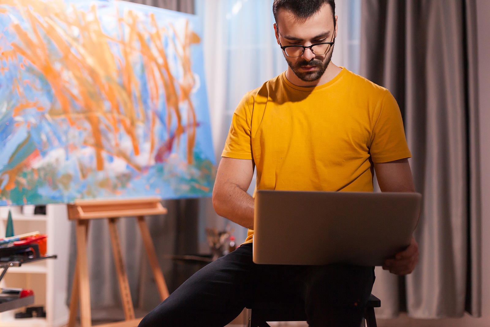 5 Effective Ways to Sell Your Art Online