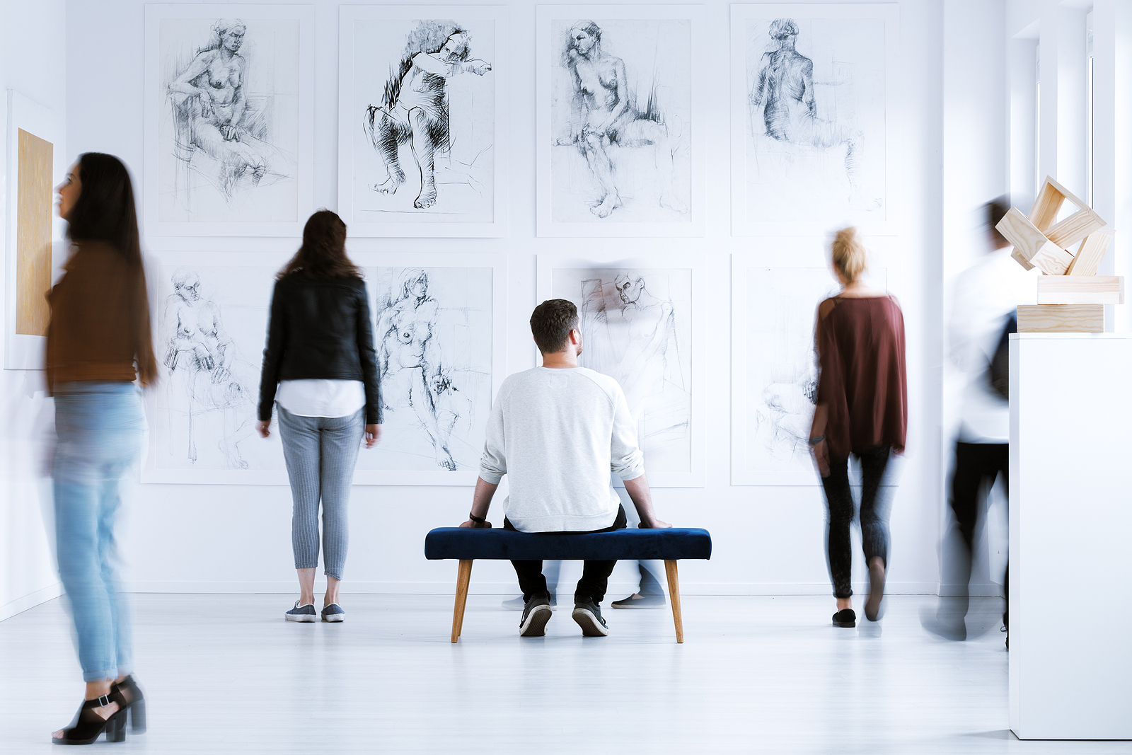 3 Essential Tips Before You Buy Art from a Gallery