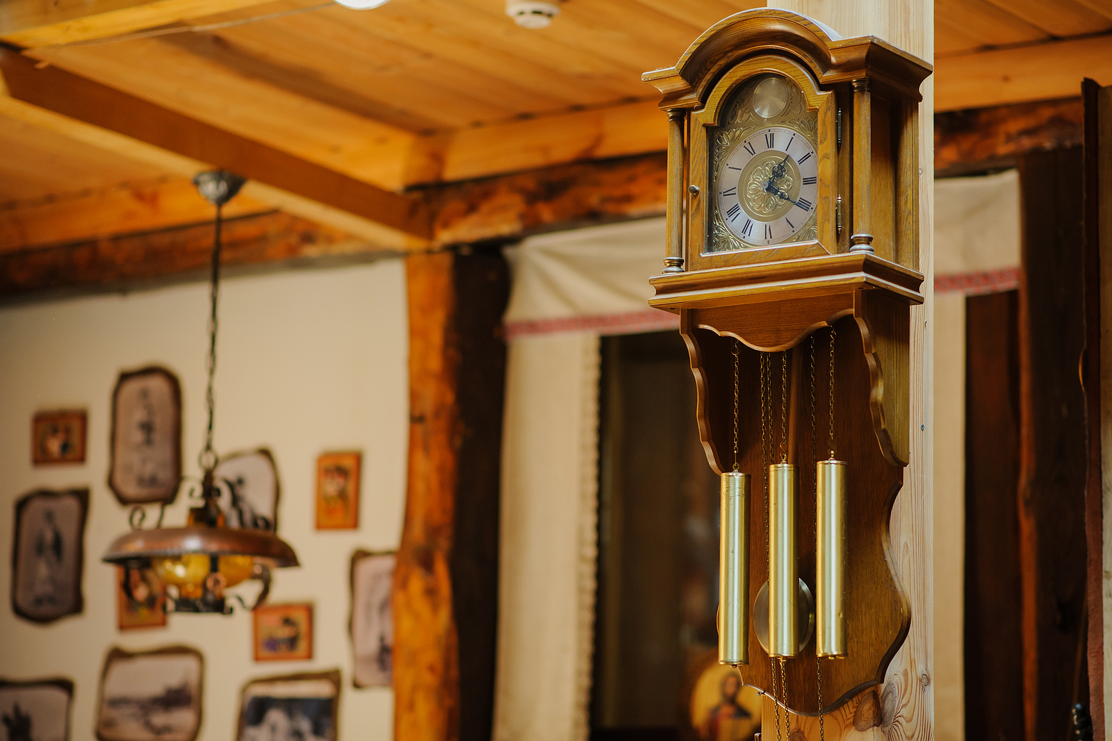 A Brief Guide on How to Collect Antique Clocks