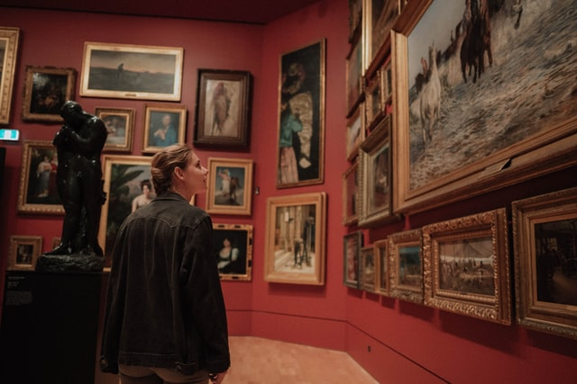 4 Powerful Ways How New Collectors Can Develop Their Taste in Art