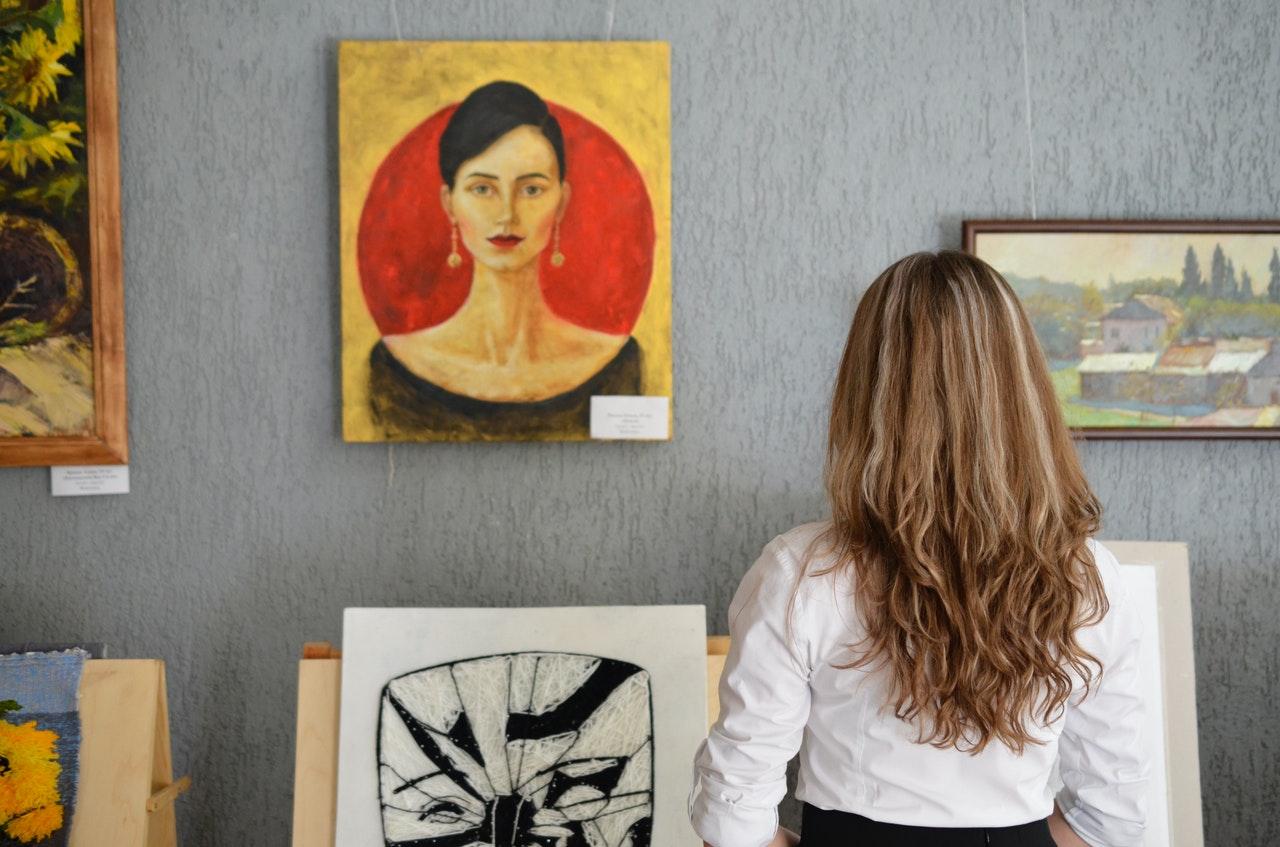 art adviser